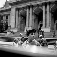 New York Public Library, New York, 1952 ca.© Vivian Maier/Maloof Collection, Courtesy Howard Greenberg Gallery, New York.